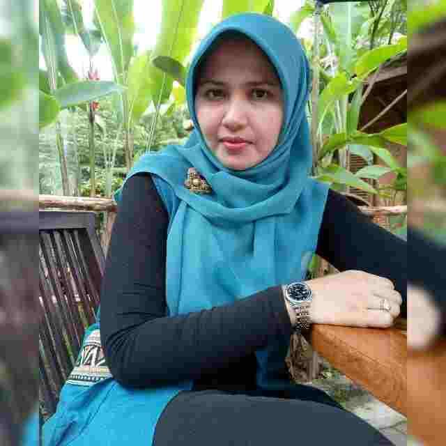 Nur Eva Zakiah, M.Pd
