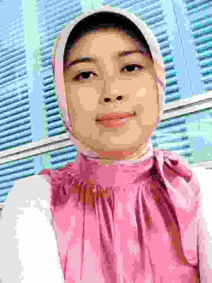 Lia Amalia Sholihat, SST., M.K.M.